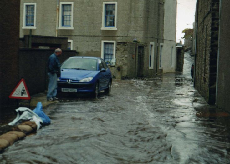 Flooding at South End, Stromness 2004   3