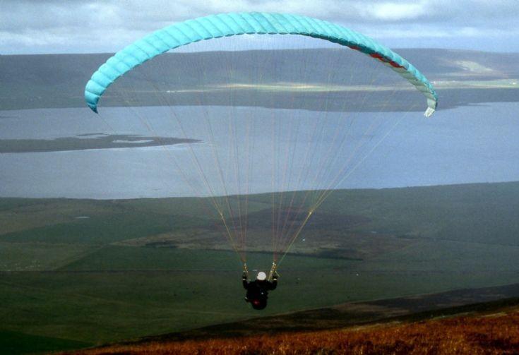Paraglider on Wideford Hill