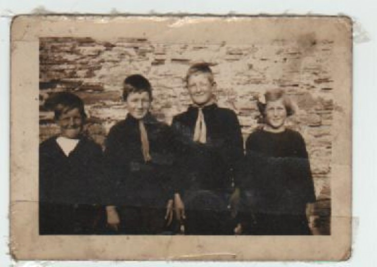 The Thomson Family fae the Burnhouse Longhope