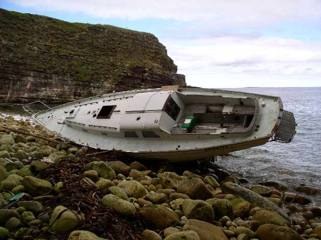 Stricken yacht, Deerness (2 of 2)