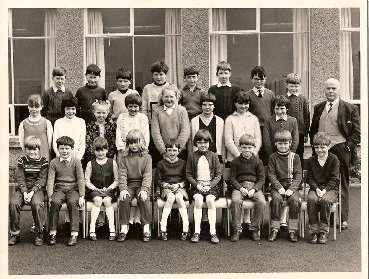 Holm West Primary School 1968-1969