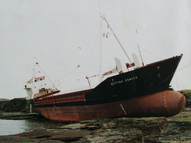 Bettina Danica ashore on Stroma