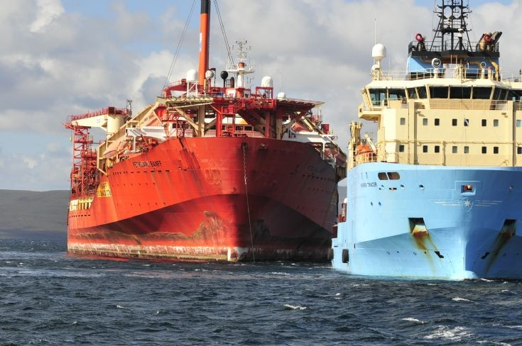 Petrojarl Banff heads off from Scapa