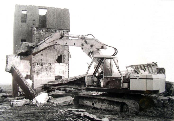 Skeabrae Control Tower demolition